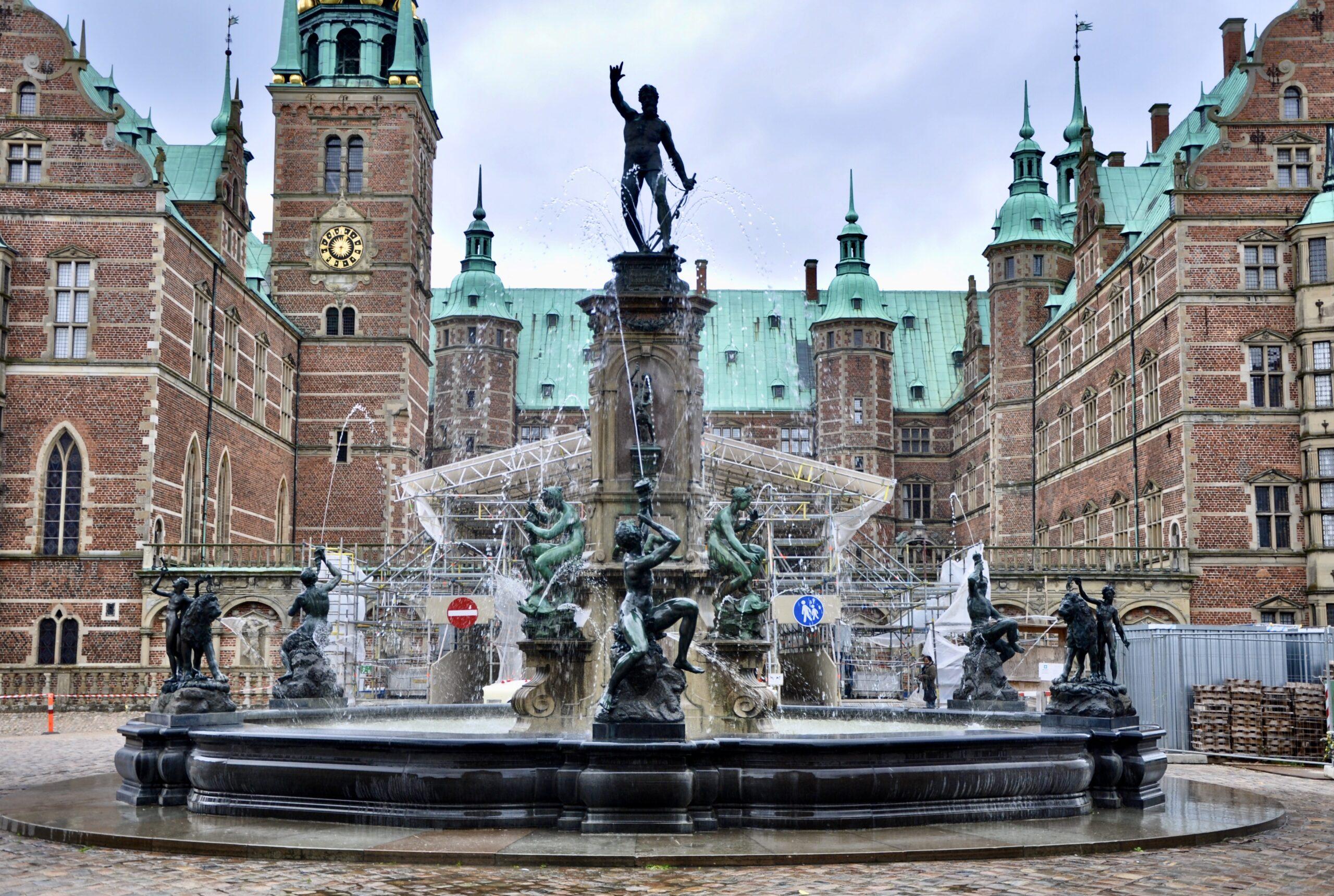 Fontanna Neptuna dzieło  Adriana de Vries, zamek Frederiksborg