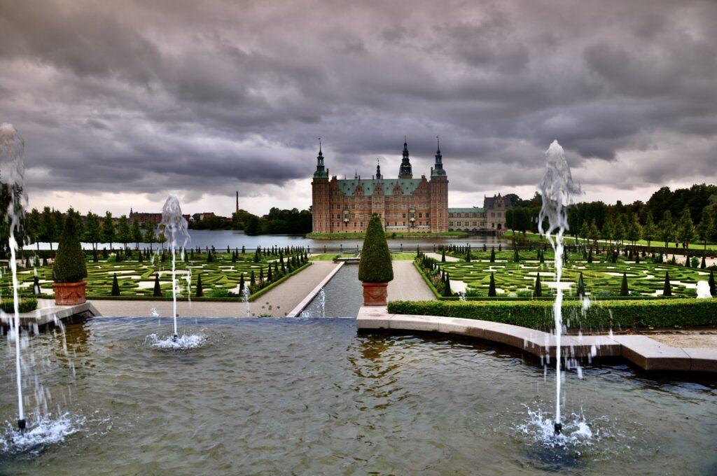 Ogrody zamkowe, zamek  Frederiksborg